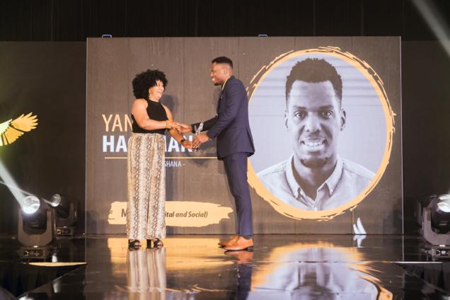 Yanfo-Hackman-receiving-40-Under-40-Award-636x424