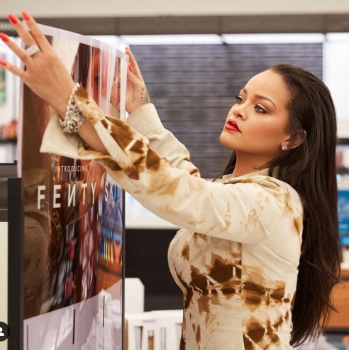 Another One!!! Rihanna Sells Out Fragrance In Less Than 24 Hours After Launch