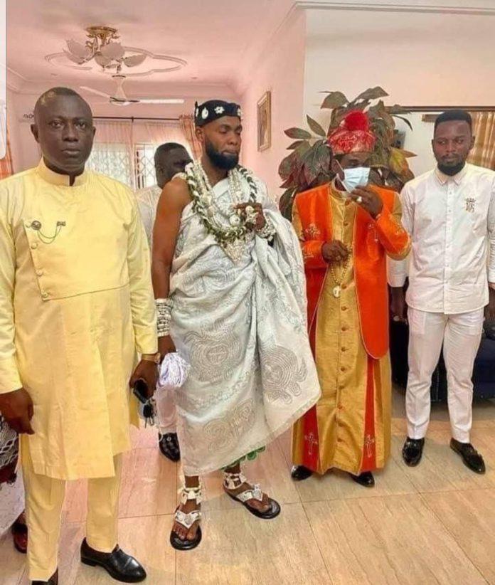 Rev Obofour Crowned As Chief Of Ga Sempe (Video)