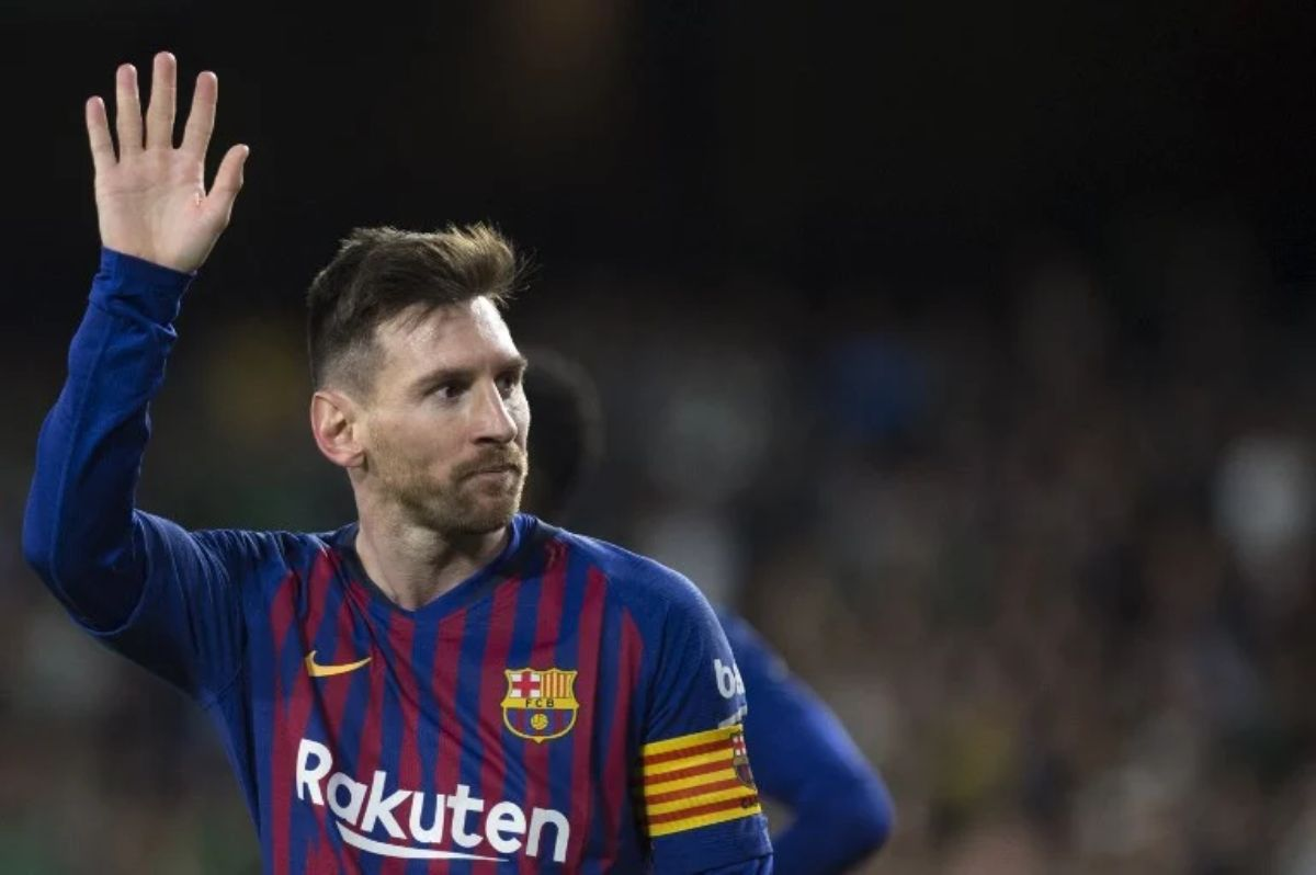 BREAKING: Lionel Messi Quits Barcelona