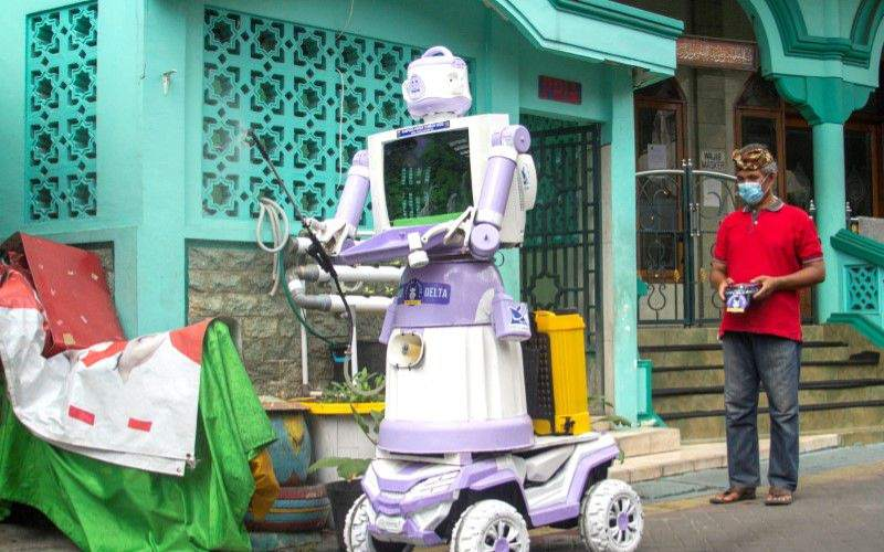 Covid-19: Meet Robot That Takes Food To Self-isolating Patients