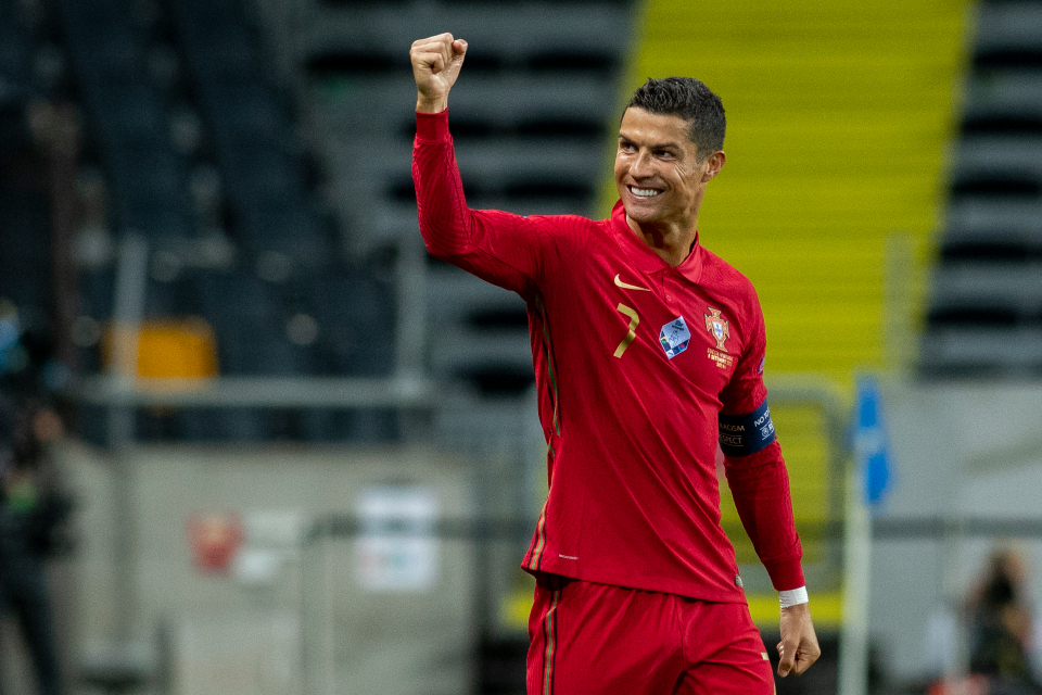 Cristiano Ronaldo Recognized As A World Record Breaker By Guinness World Record; Player Receives Certificate